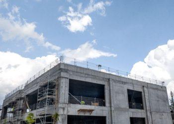 Zabezpieczenie krawędzi budynków