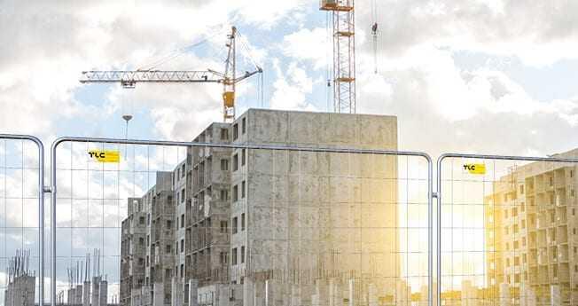 Lekkie i solidne rozwiązanie, które świetnie wygrodzi teren prowadzonych prac budowlanych. Są one bardzo chętnie wybierane ze względu na niską masę i wysoką jakość wykonania nie tylko na place budowy ale również prace drogowe czy wydarzenia kulturalne. W ofercie znajdą Państwo kilka wariantów różniących się zastosowanymi wzmocnieniami.