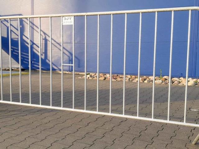 wynajem-ogrodzen-tymczasowych-bariery-przenosne-ikea-warszawa-tlc-rental-www-13