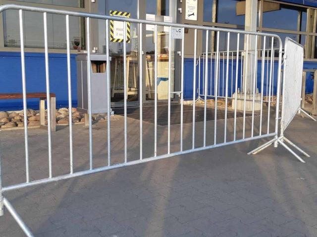 wynajem-ogrodzen-tymczasowych-bariery-przenosne-ikea-warszawa-tlc-rental-www-15